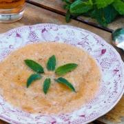 Soupe froide de melon à la menthe