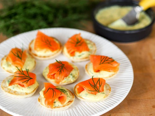 Smoked Salmon Toasts with Mustard Dill Sauce