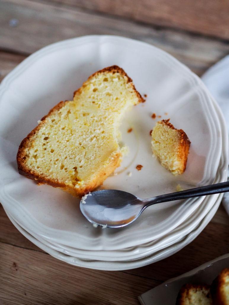 une part de cake au citron pour le goûter
