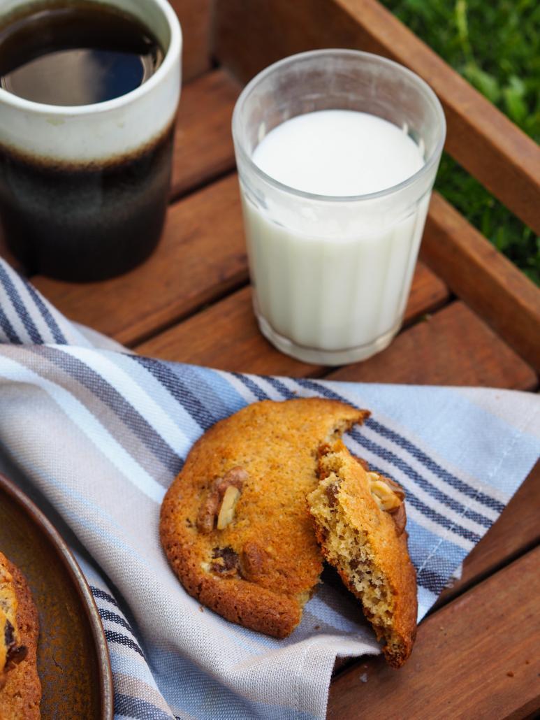 cookie avec un verre de lait pour le goûter