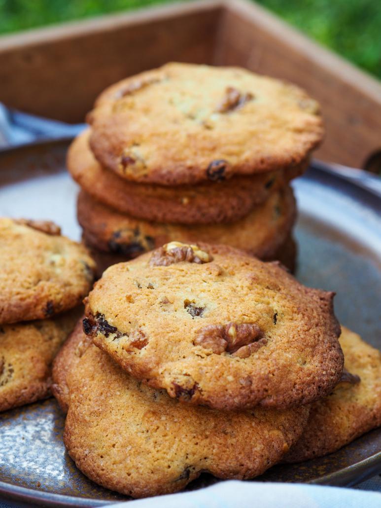 Des noix et des raisins secs dans mes cookies