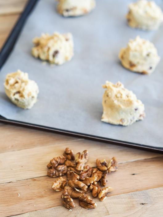 Des noix dans les cookies pour un peu de croquant