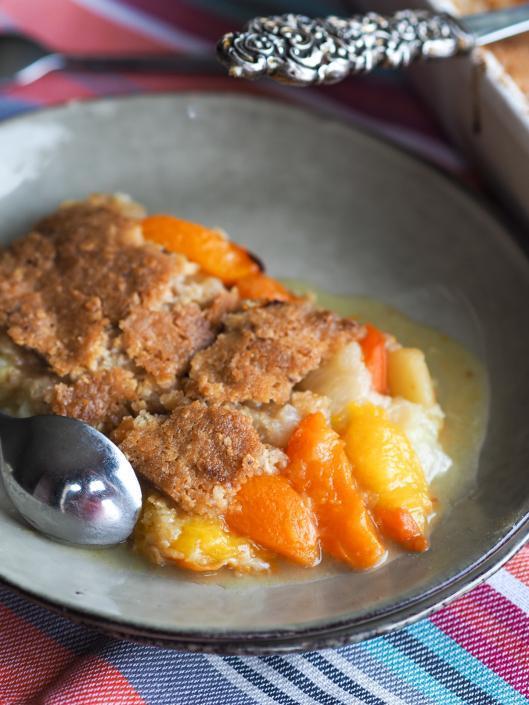crumble aux fruits d'été (abricot pèche brugnon) et pâte à crumble aux flocons d'avione