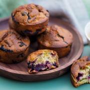 Muffins ultra moelleux à ma rhubarbe et au cassis