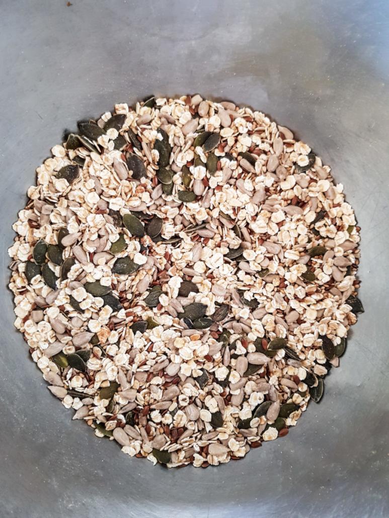 mélange de graines et flocons d'avoine