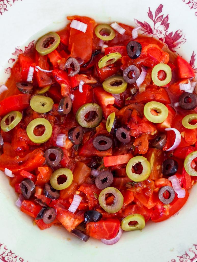 salade de tomates fraîches et tomates provençales