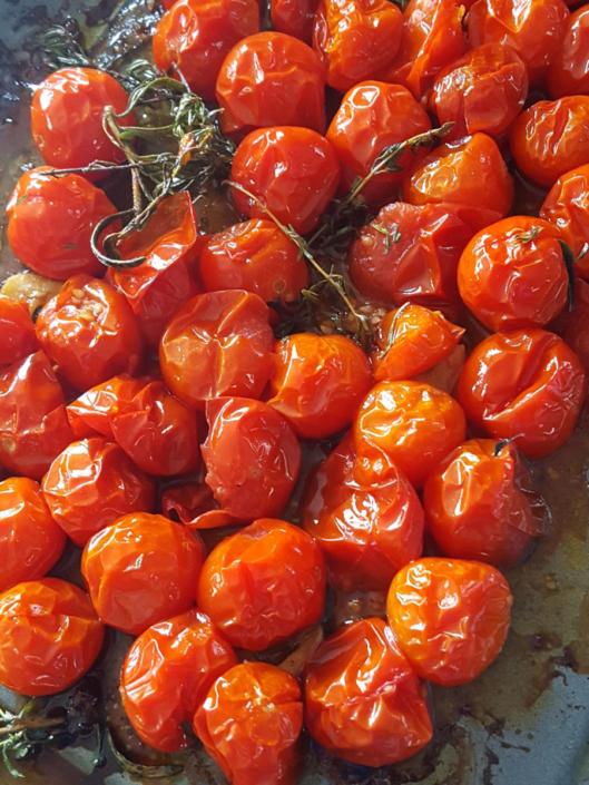 Tomates cerise rôties au four