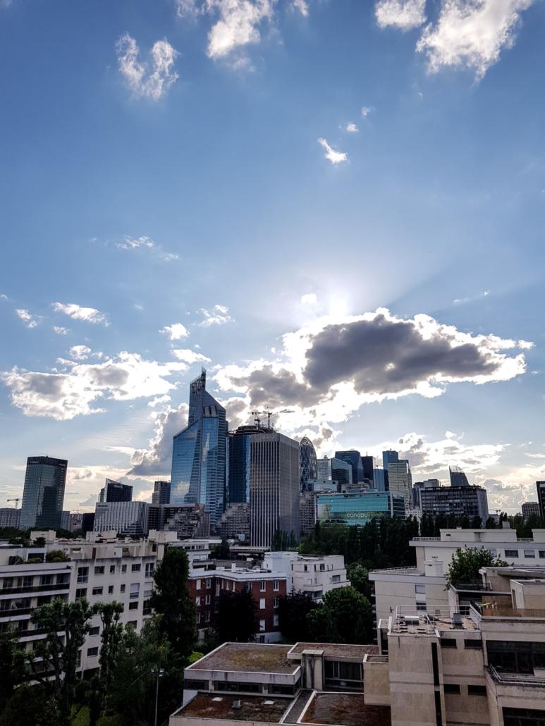 vue au coucher de soleil sur La Défense