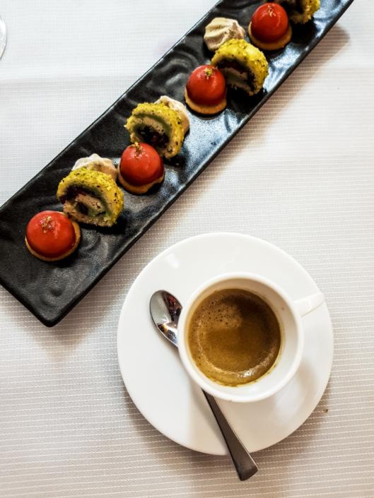 Café gourmand au restaurant étoilé le Carré des Feuillants