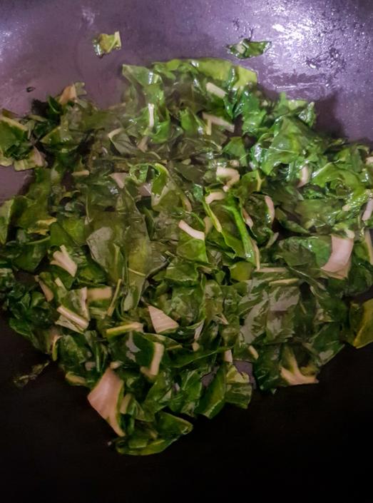 feuilles de blette revenues à l'huile d'olive