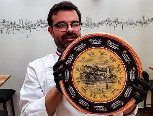 Meilleur Ouvrier de France présente le Vacherin Fribourgeois