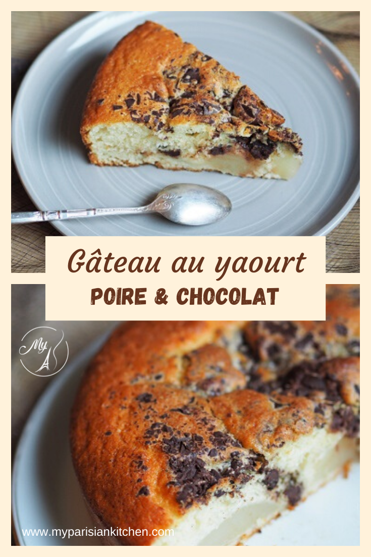 Gâteau au yaourt avec des poires et du chocolat