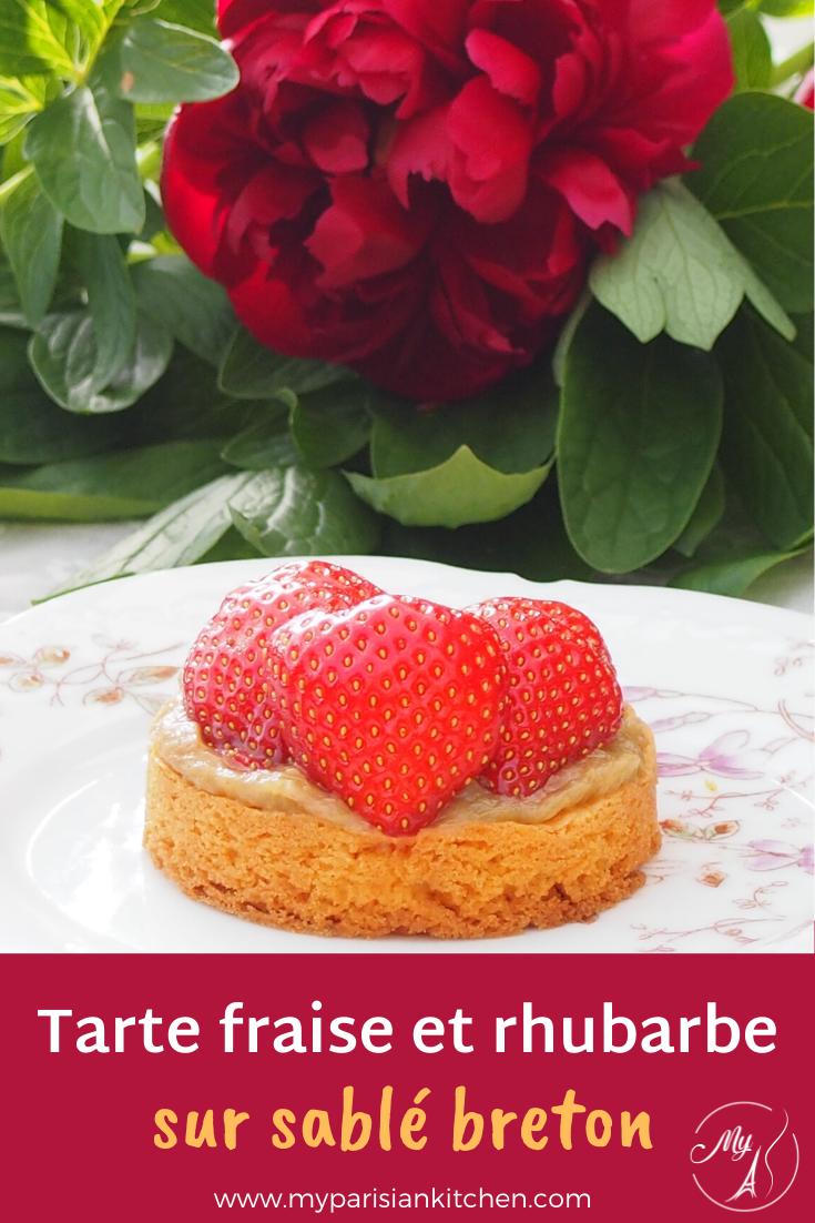 Tarte à la fraise et à la rhubarbe sur sablé breton