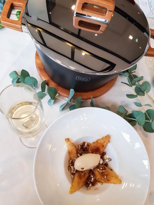 poires rôties au miel, dragées et spéculoos a la cocotte maho nabe