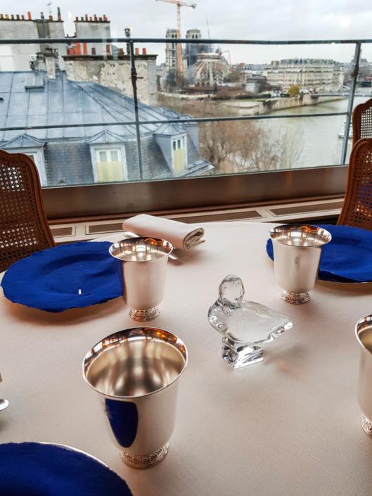 table du restaurant étoilé de Paris la Tour d'Argent