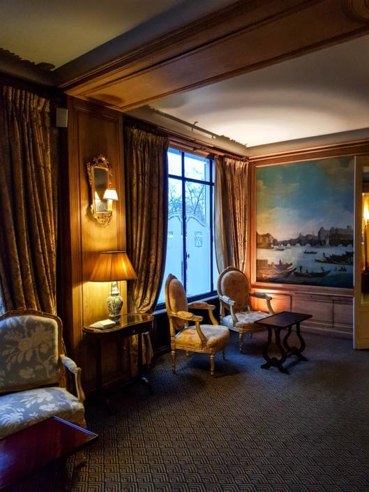 petit salon du restaurant étoilé de Paris la Tour d'Argent