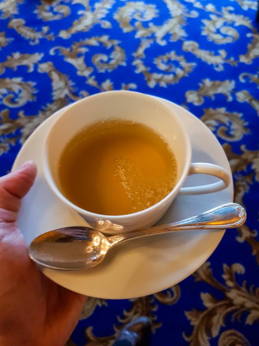 une tasse de thé à la Tour d'Argent