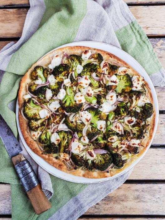 pizza végétarienne au brocoli et feta