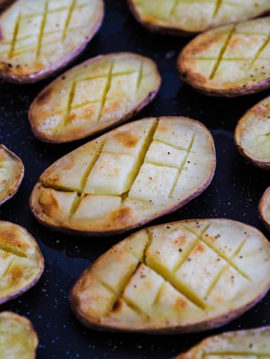 pommes de terre croisillon et beurre au four