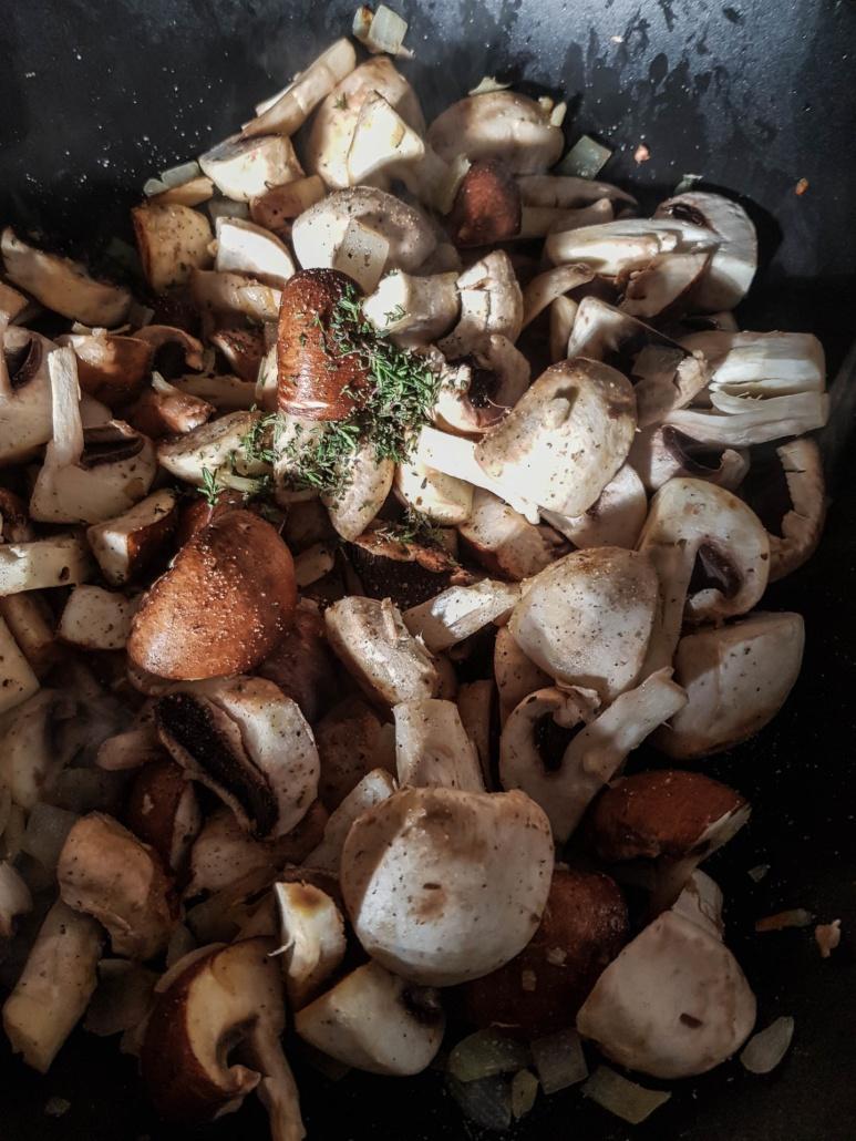 poêler les champignons de paris