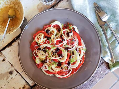Salade de tomates et fenouil anisée, vinaigrette au Pastis