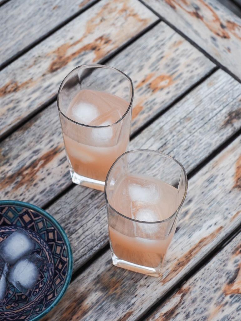 cocktail sans alcool à la rhubarbe