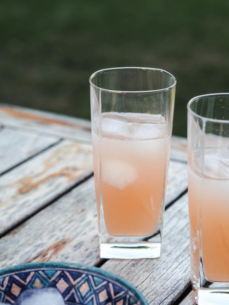 mocktail rhubarbe boisson à base de jus sans alcool