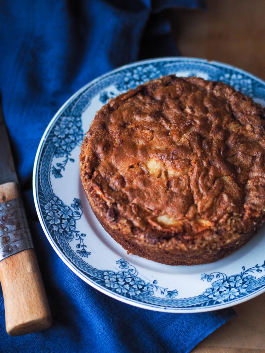 French apple invisible cake