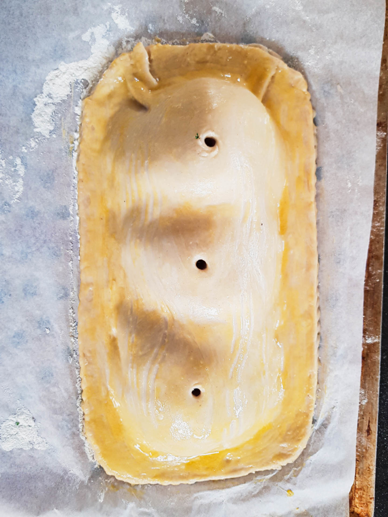 pâté feuilleté, bord des pâtes chiquetées