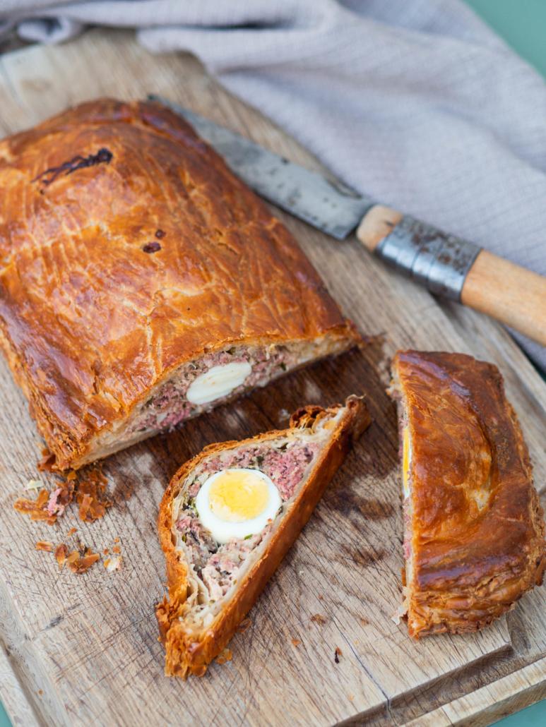 pâté de pâques du berry à la viande et aux œufs