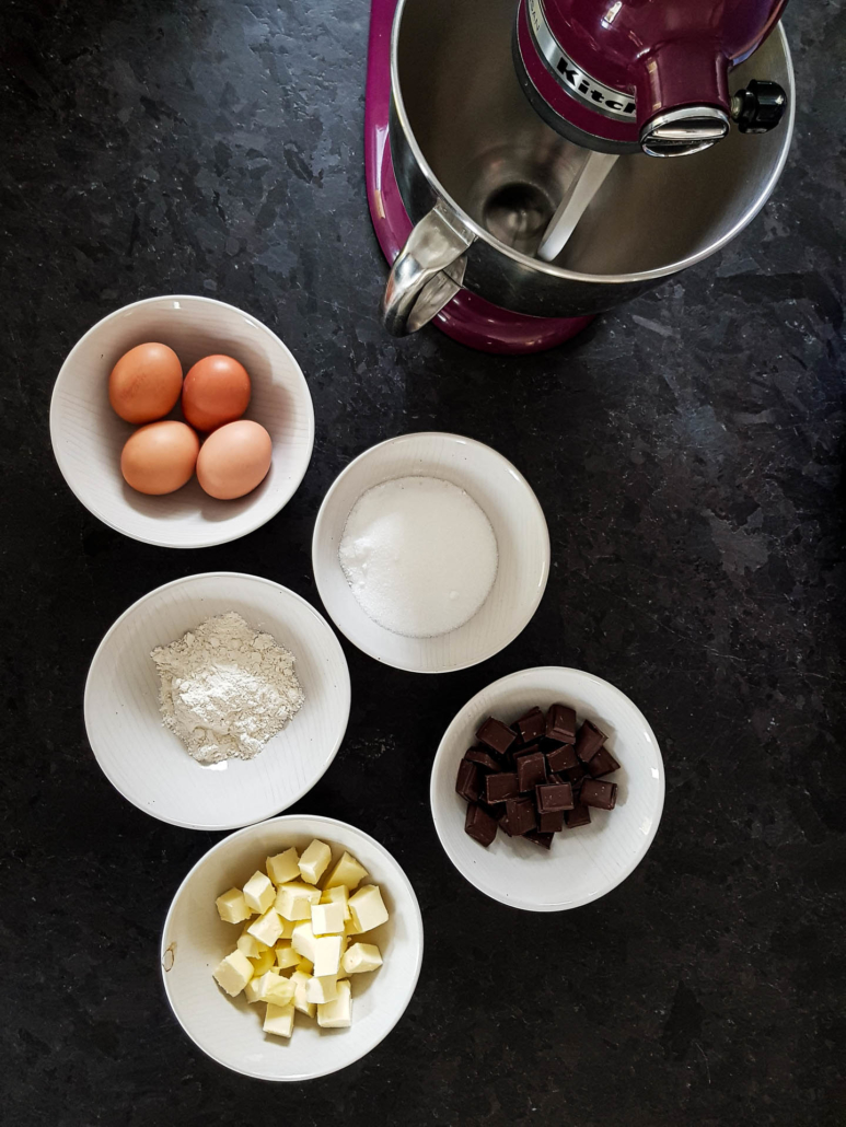 5 ingredients for perfect French chocolate fondant