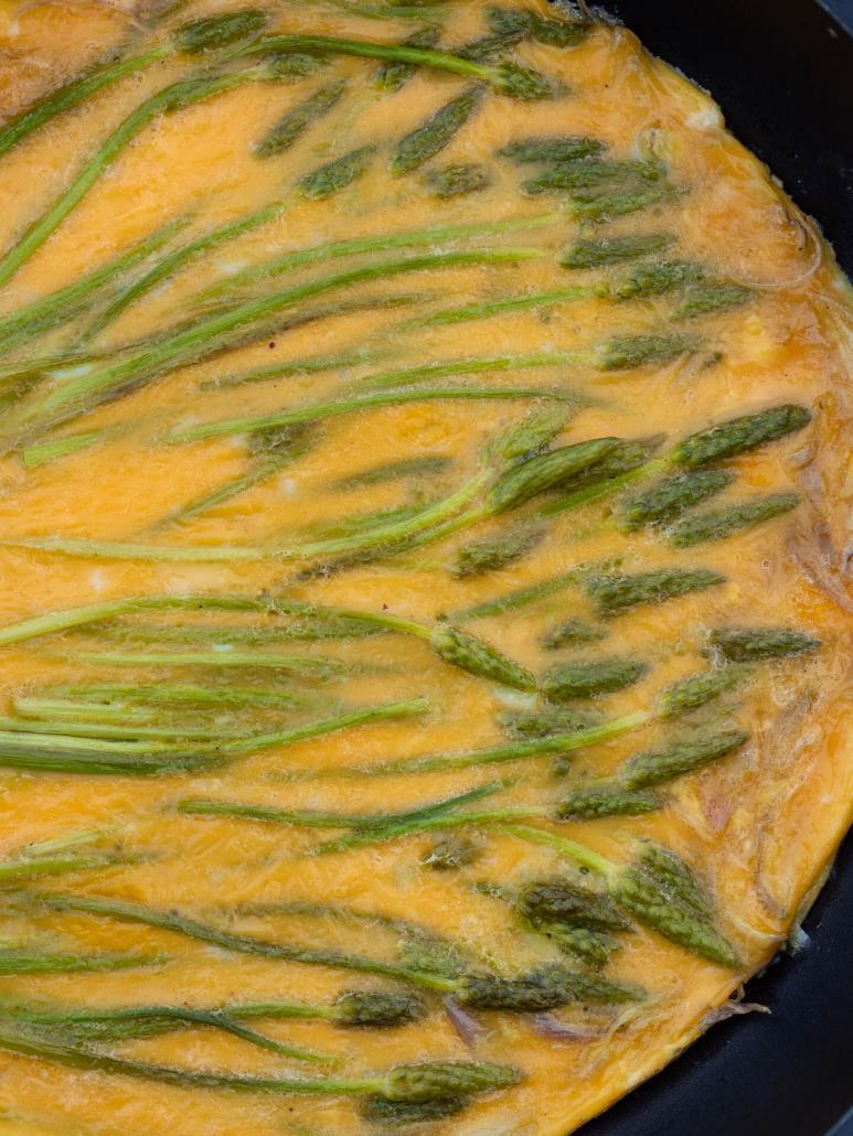 omelette aux asperges des bois